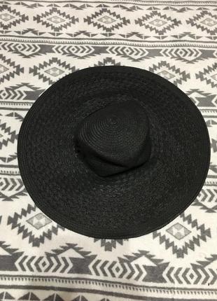 Широкополая шляпа из бумаги