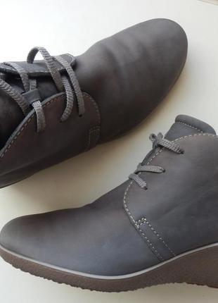 Кожаные туфли ботинки ecco 39p