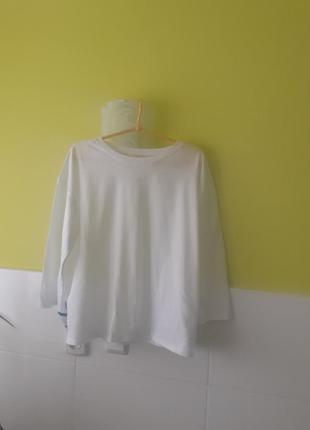 Белая кофта реглан футболка от cos