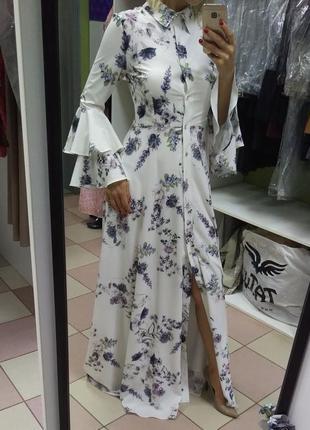 Обалденное, яркое, цветастое платье в пол с пуговицами swarovski
