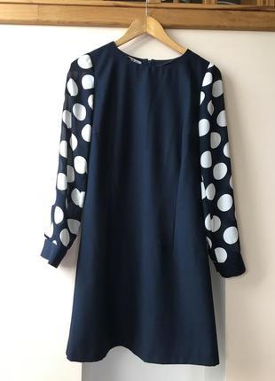 Тёмно-синее элегантное платье с полупрозрачными рукавами
