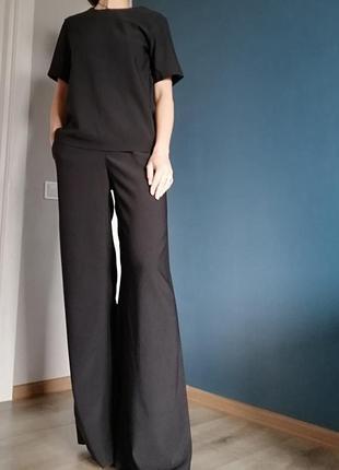 Брючный костюм.брюки палаццо и блуза. с-м