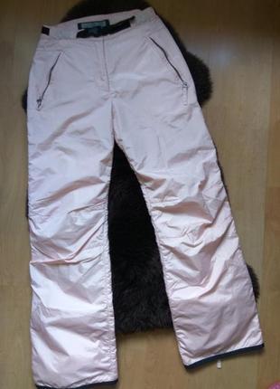 Пудровые лыжные штанишки