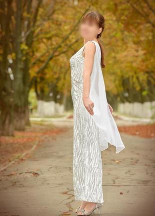 Серебристое длинное вечернее / выпускное платье с крылышками