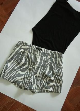 Актуальные нарядные шорты р с