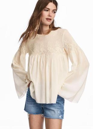 Блуза с кружевной кокеткой