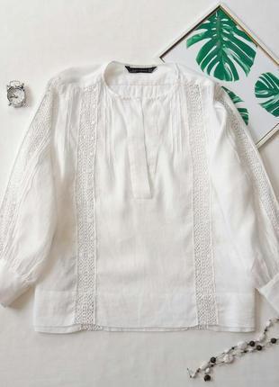 Белая хлопковая блуза с кружевными вставками