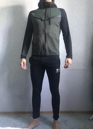 Шикарный спортивный костюм темно-зелёный