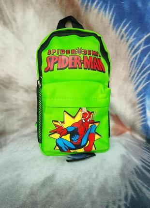 Рюкзак зеленый человек паук