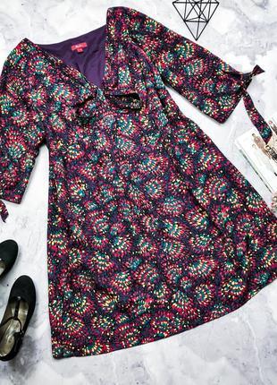 Шикарное яркое платье свободного кроя