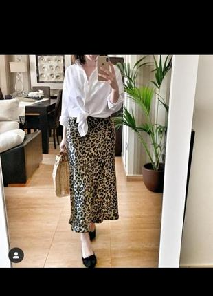 Стильная атласная леопардовая юбка h&m