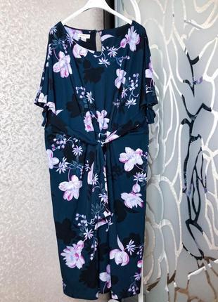Шикарное платье в принт цветы