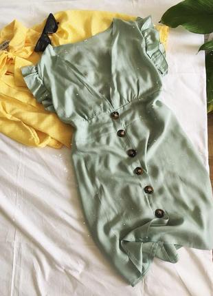 Актуальна фісташкова сукня