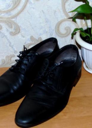 Черные кожанные мужские туфли vera gomma,43 размер