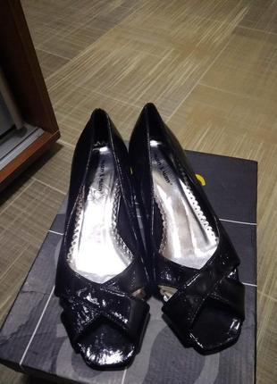 Туфли лаковые р 38
