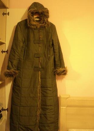 Длинная куртка парка с меховым капюшеном
