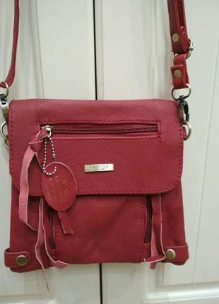Кожаная сумка крос- боды lorenz accessories в стиле zara