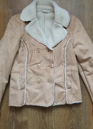 Куртка модная, теплая, стильная.