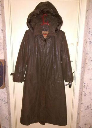 Элегантное,демисезон. пальто,с съемной подкладкой и капюшоном, бол.14/18 рр.