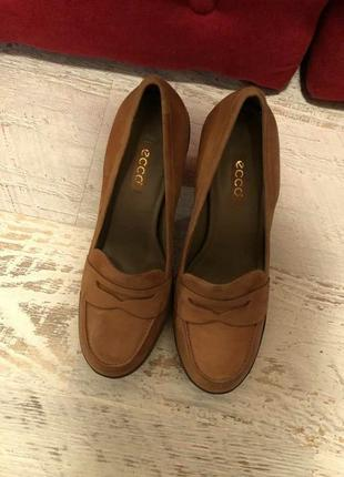 Новые натуральные фирменные туфли 41р.2 фото