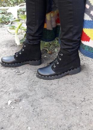Кожаные ботинки берцы демисезонные и зимние подошва танкетка с металлическим вставками