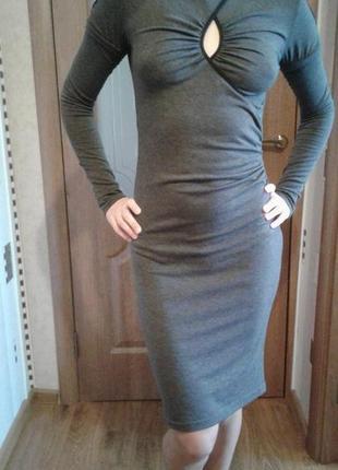Эффектное осеннее платье