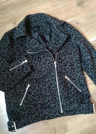 Распродажа...демисезонное пальто косуха forever 21   46-48 размер