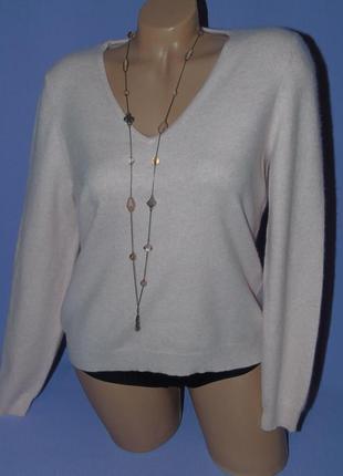 Нежно-розовый кашемировый свитер