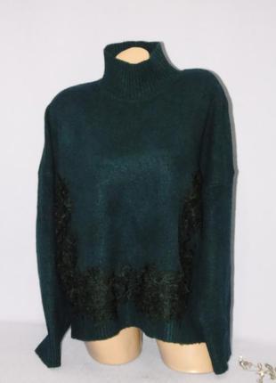 Стильный теплый свитер с кружевом