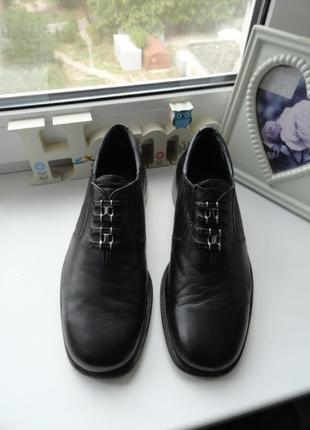 Модельные кожаные итальянские туфли