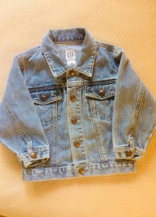Джинсовая курточка на мальчика фирмы gap / возраст 3 года