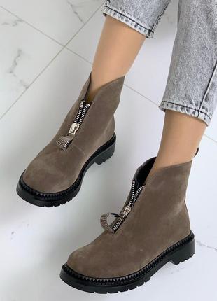 Стильные зимние ботиночки цвета хаки