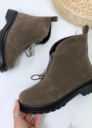 Стильные зимние ботиночки цвета хаки7 фото