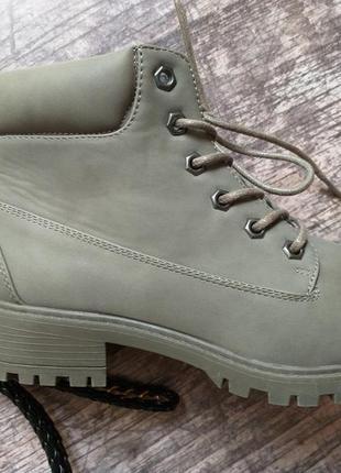 Стильные демисезонные ботинки primark, хаки, eur 38, us 74 фото
