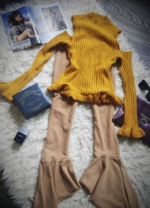 Горчичный свитерок рубчик с открытыми плечами 197