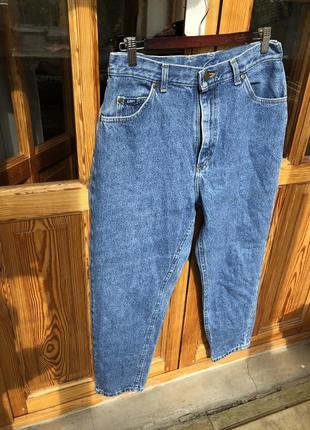 Культовые джинсы moms lee