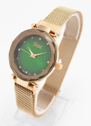 Новая стильная модель часов в подарочной коробке