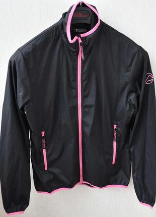 Непродуваемая куртка ветровка stormberg