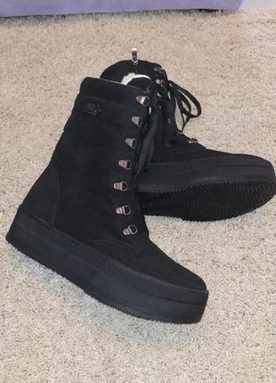 Зимние ботинки замшевые на платформе