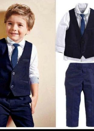Sale🌹🌹очень красивый строгий костюм тройка на мальчика 1-2года
