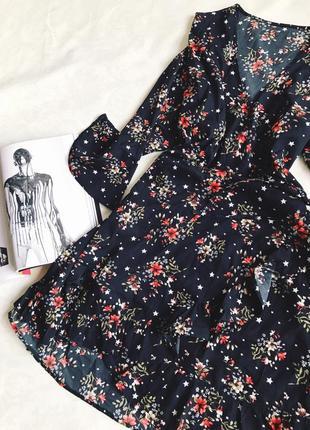 Цветастое платье на запах😍😍