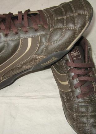 Продам кроссовки 44 размера