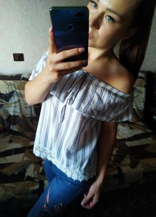 Шикарная блузка в полосочку с гипюром на плечи (с открытыми плечами)