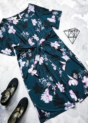 Крутое платье в принт цветы