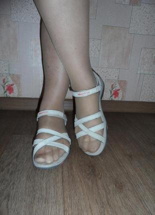 Кожаные треккинговые босоножки, сандалии karrimor, 42р., 27,5см.