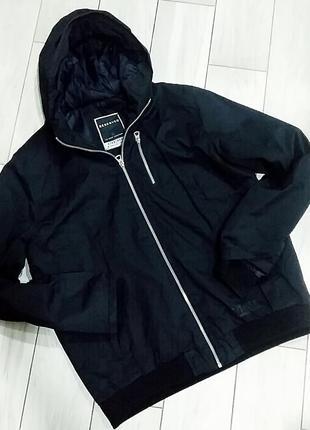 Демисезонная мужская куртка reserved на l-xl размер.