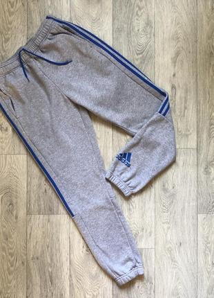 Мужские штаны adidas оригинал.
