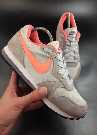 Nike стильні замшеві кросівки оригінал