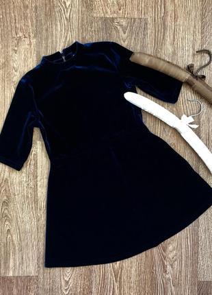 Красивое велюровое платье next, 7 лет