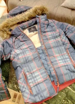 Очень красивая теплая куртка фирмы mavi